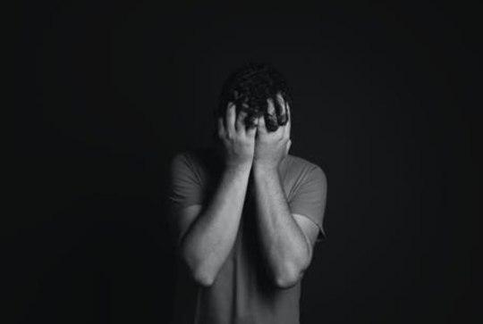 خودکشی نوجوان 12 ساله در مقابل دوربین روشن