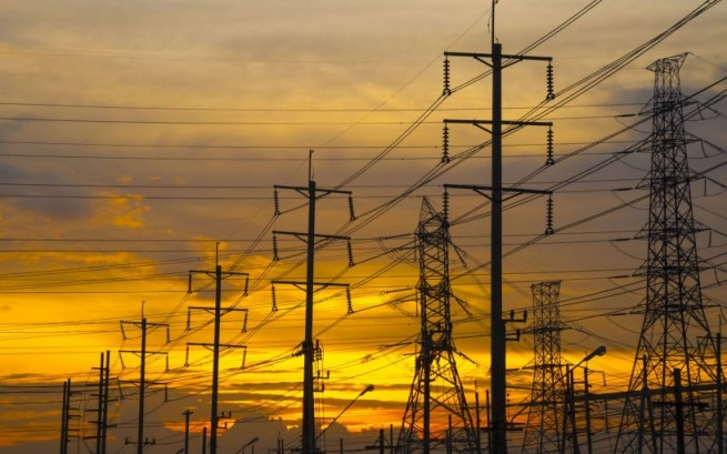 در حالی که قطع برق در مناطق شهری و روستایی در سراسر ایران زندگی و مشاغل شهروندان را مختل کرده است ، گزارش ها نشان می دهد که یکی از دلایل این امر موقعیت های خرید و فروش ارز دیجیتال (بیت کوین) در منطقه ویژه اقتصادی رفسنجان است که توسط چین کنترل می شود.