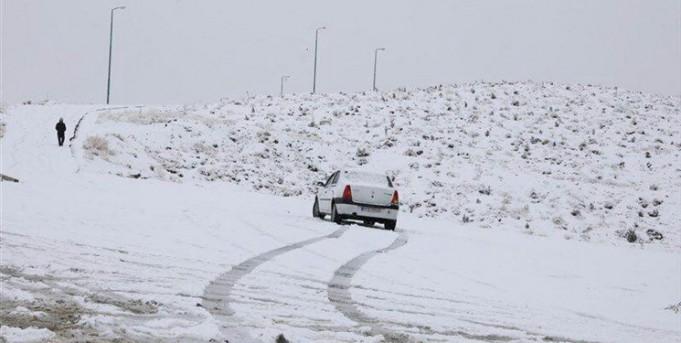 برف و باران در جاده های 25 استان