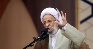 """درگذشت """"مصباح یزدی"""" برجسته ترین حامی راهنما """"خامنه ای"""""""