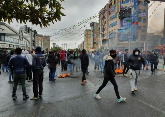 دیده بان حقوق بشر: رژیم ایران جامعه مدنی را