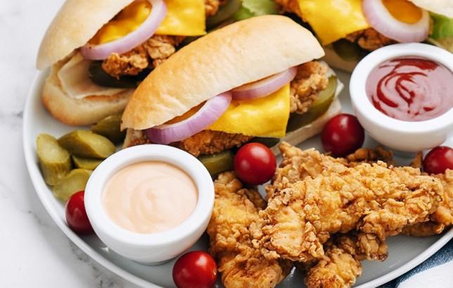 ساندویچ فیله مرغ سوخاری